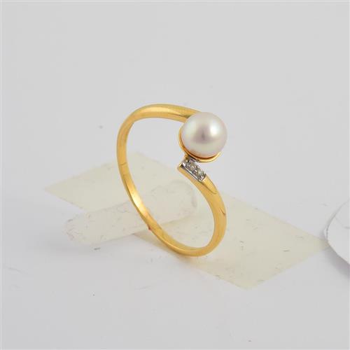 anel de ouro 18 com pérola e diamante
