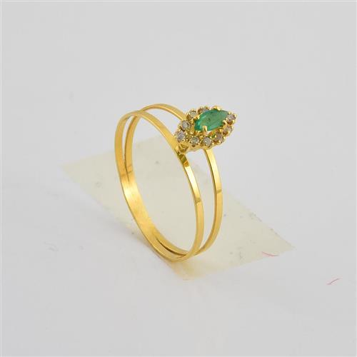 Anel de Ouro 18k com Diamante e 1 Esmeralda
